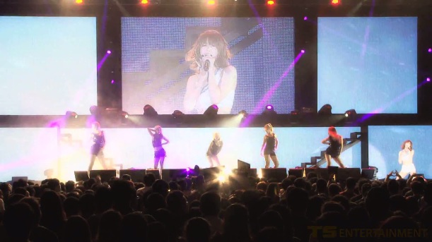 SECRET - JUN HYO SEONG Solo Performance @ SECRET LIVE IN SINGAPORE (03.29.13)